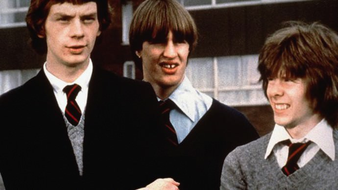 gregorys girl coursework Gregory underwood (john gordon sinclair) is an awkward teenager who plays in his school football team they are not doing very well, so the coach (jake d'arcy) hold.
